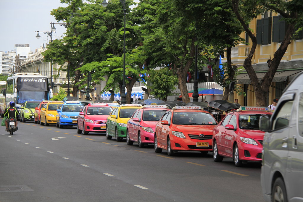 colour_full_taxi_in_thailand_by_4ngelspeed-d5n7h03